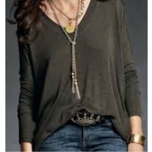 CAbi #569 Slouch Tee V-Neck, size Small